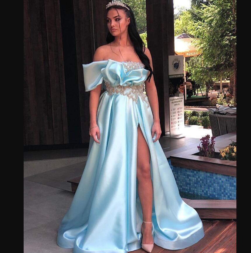 Cristales de color azul lateral de Split Prom Vestidos plisados satén moldeado Apliques de las lentejuelas formal fiesta de cumpleaños de los vestidos de noche del vestido de árabe Aso Ebi