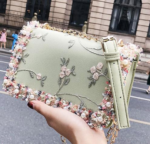 Дизайнер сумка Женский 2020 Newset Мода Дикого Вышитые Crossbody цепи сумки на ремне
