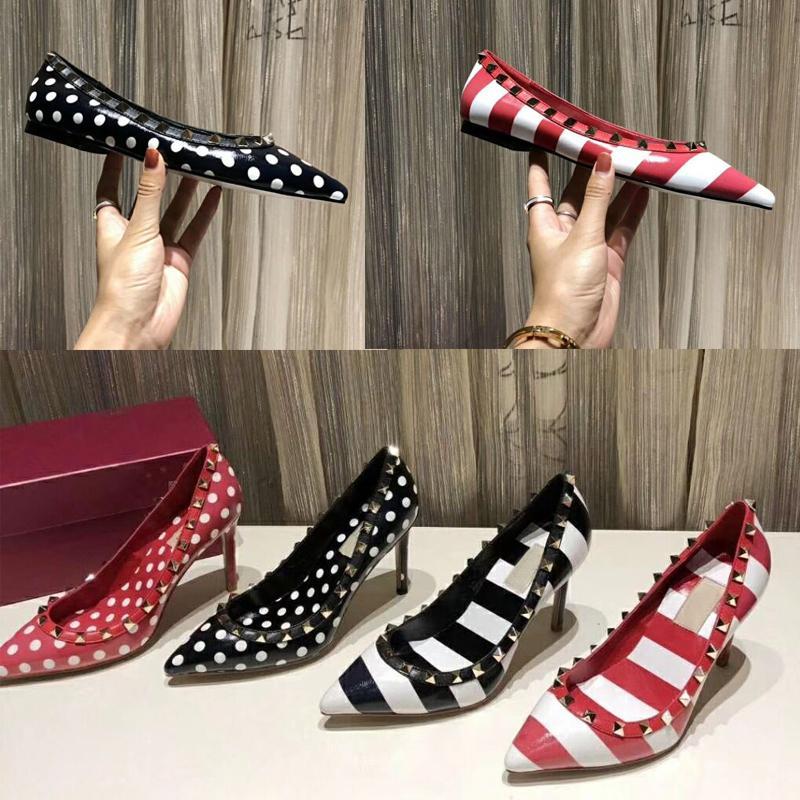chaussures bateau à talons hauts 2019 Nouveau modèle Pointu chaussures pour femmes rivetées cuir Designer Marque banquet sexy partie de chaussures de mariage de grande taille