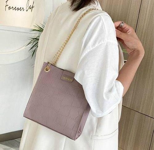 Designer-Handtasche Female 2020 Texture Art und Weise neuer Trend Kette Umhängetasche Trend Tragbare Crossbody Beutel Auf Lager