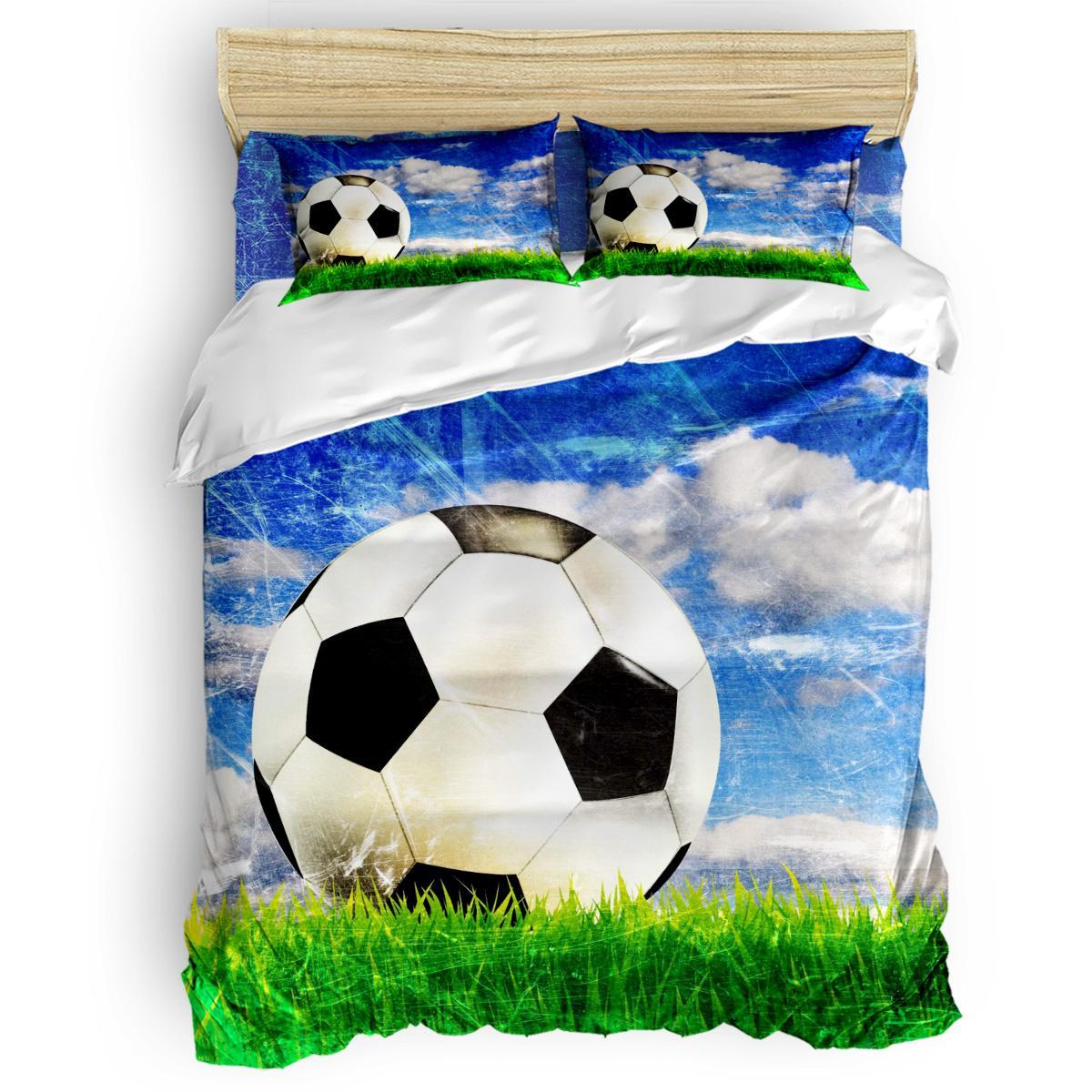 Lüks Comforter Yatak Futbol Altında Blue Sky Ve Beyaz Bulutlar Yatak Seti Ev Yatak Seti 4 Adet Nevresim Takımları