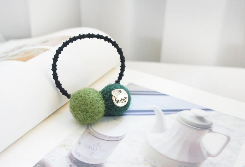 Novos acessórios coreano de lã de borracha sentiu faixa do cabelo elástico bola bonito doces corda cabelo estilo coreano cabeça empate corda da cor das crianças