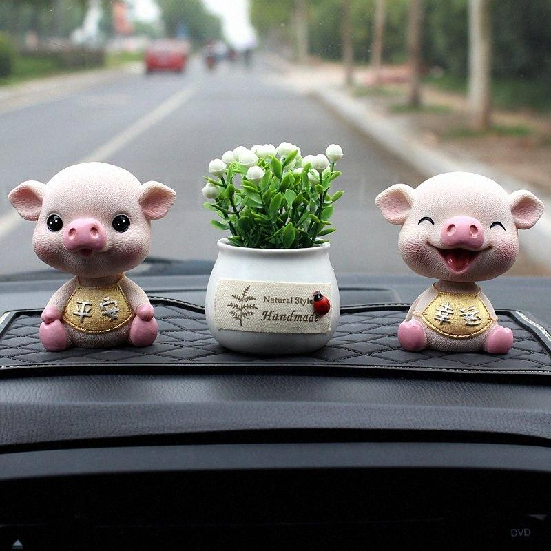Scuotere la testa del maiale Resina auto ornamenti auto degli interni del giocattolo della decorazione dell'automobile Accessori Automovil Per QG2T #