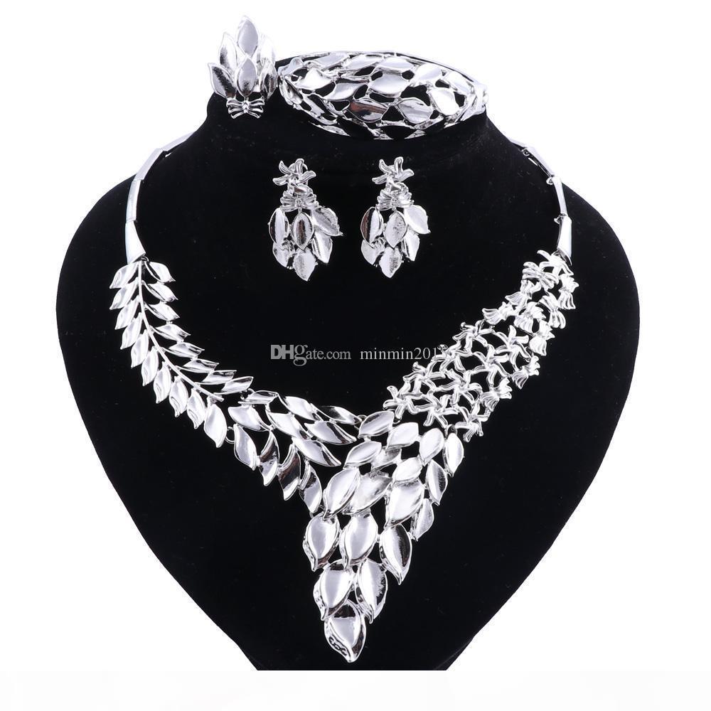 La forma de hojas pendientes del collar plateado plata de la joyería La joyería fija el conjunto de traje africano novia de la boda de la nueva manera