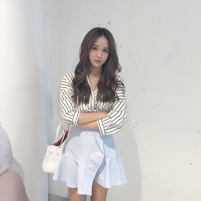 2020 Verão novo estilo coreano meia manga listrada aluna versátil preguiçoso camisa solta camisa de base
