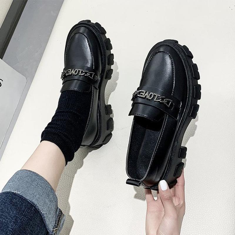 Resbalón de las mujeres de la PU del cuero de tacón alto Zapatos Derby de las señoras de costura plataforma de metal Zapatos Mujer Moda Mujer ocasional frescos Bombas