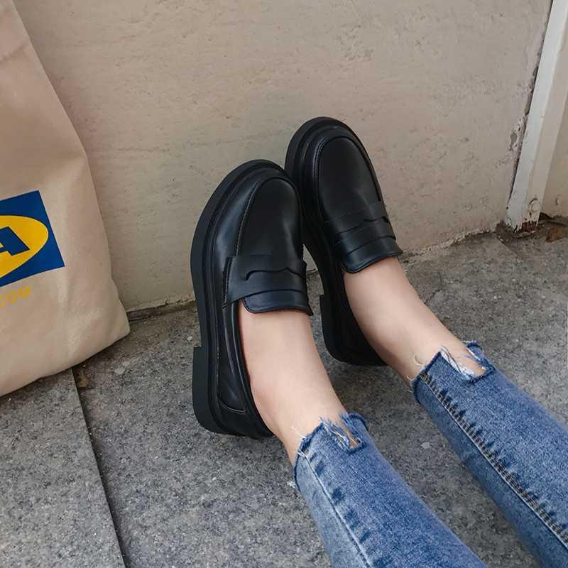 Обувь женщина 2020 Обувь женская полуботинок женщин Британский стиль All-Match Круглый Toe Modis вскользь тапки Новое платье кожа