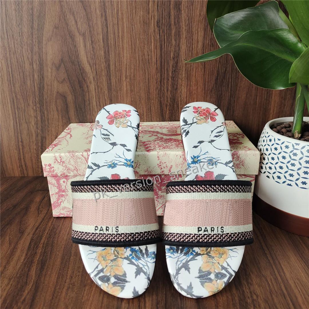 Tirón de moda para mujer de los deslizadores de París hermosas Scuff Zapatos de playa del verano Diapositivas niñas zapatillas floral los fracasos de los holgazanes atractiva bordada el mejor