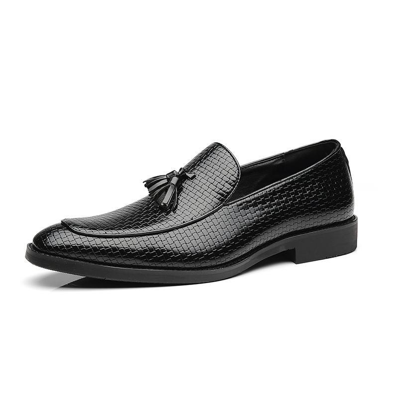 2020 Homens Slip On vestido sapatos de couro estilo Artificial britânica Vintage Shoes Men casamento Tassel Loafers Plus Size 38-48