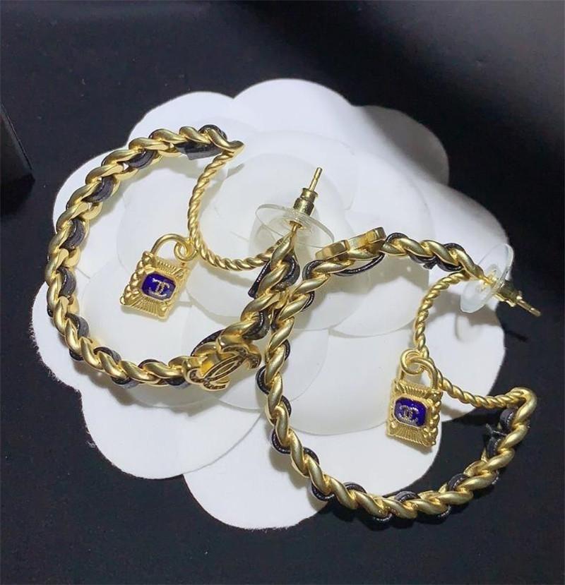 Brief Retro Gold Circle Ohrringe Ohrringe weibliche Art und Weise