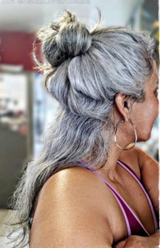 Encargo gris sal cola de caballo cabello humano y la pimienta larga ondulada clip de cordón gris postizo de cabello virgen cola de caballo 10a en la extensión del pelo