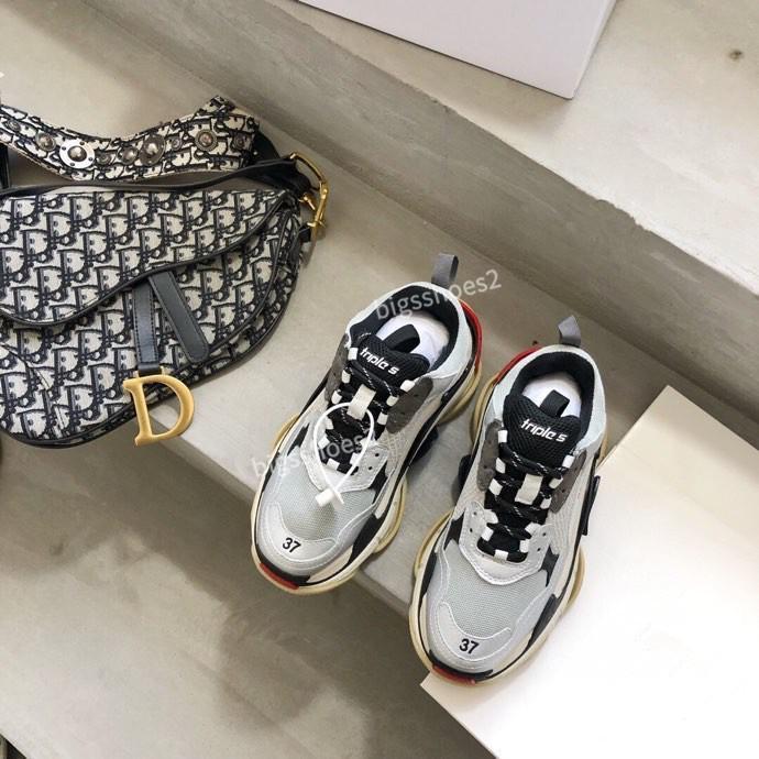 Balenciaga shoes Modèles Triple S Hommes Chaussures de Maladroit SneakeThick-coréen Soled Respirant Mode Sport Casual Étudiant Chaussures de course gc200510