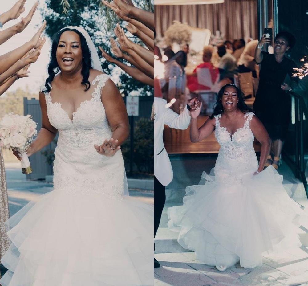 Artı Boyutu Mermaid Gelinlik Sheer Boyun Katmanlı Sweep Tren Aplikler Boncuk Afrika Bahçe Ülke Gelinlikler Tasarımcı Düğün Giyim
