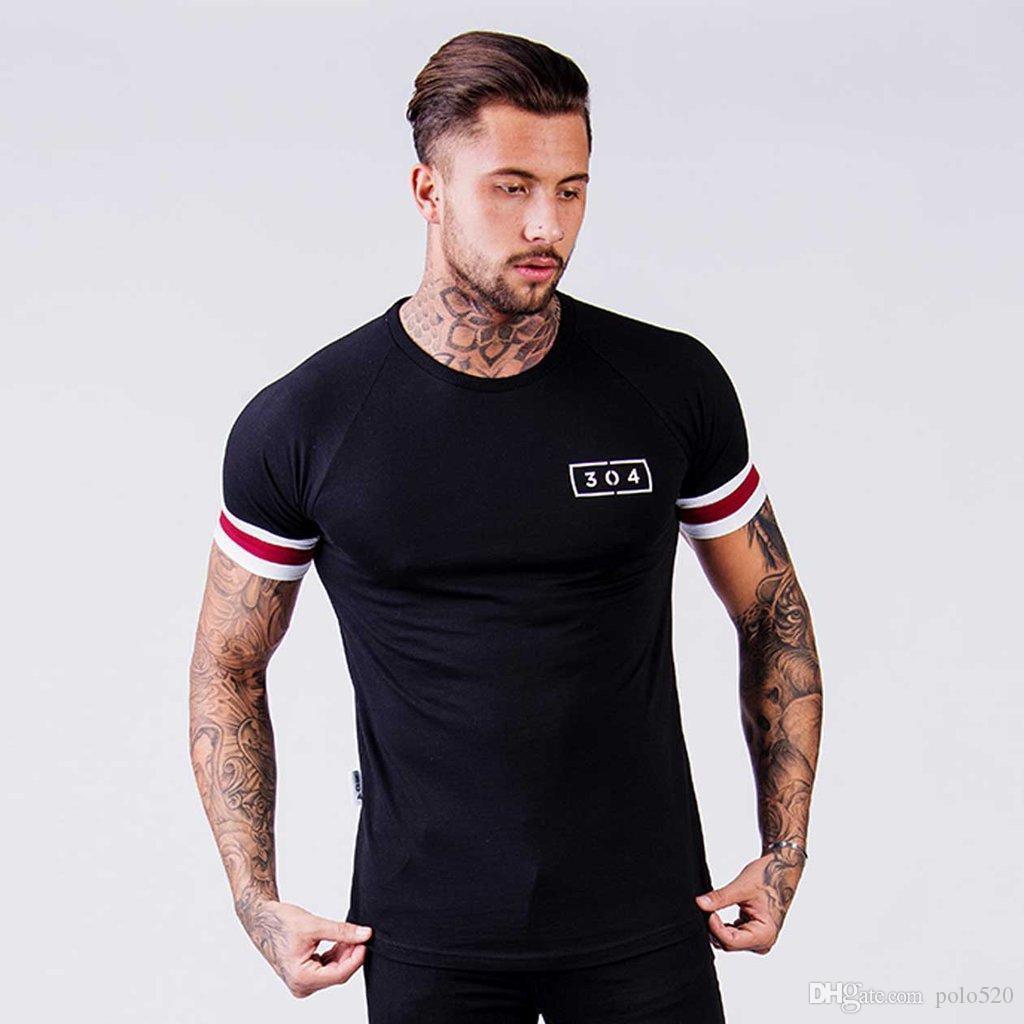 Diseñador de modelos de explosión de algodón de los hombres de manga corta camiseta de gimnasio delgado salvaje negro camiseta de la aptitud camiseta superior ocasional del verano nueva moda