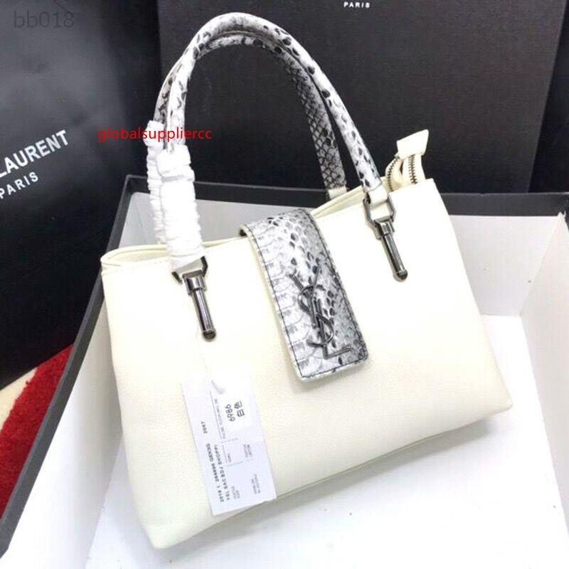2020 Leisure Portable Comfortable Shoulder Bag Female Messenger Small Bag Large Capacity Female Factory Direct Sales Size 33x22x13cm