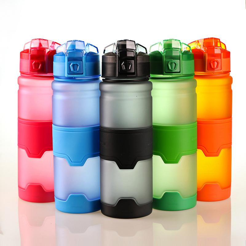 Garrafa de 500ml Sports Água garrafa de água de plástico com garrafas à prova de vazamento tampa flip Top BPA Leak Proof Tritan leves para o exterior