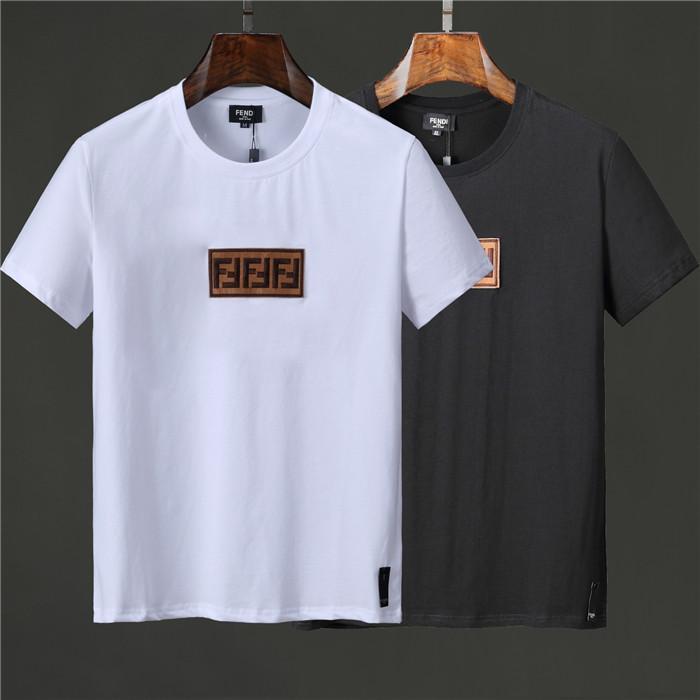 Le nuove camice di lusso Designers Uomo T per la camicia da uomo T con la manica corta Lettere estate Mens Tee Shirts Medusa maglietta dei vestiti