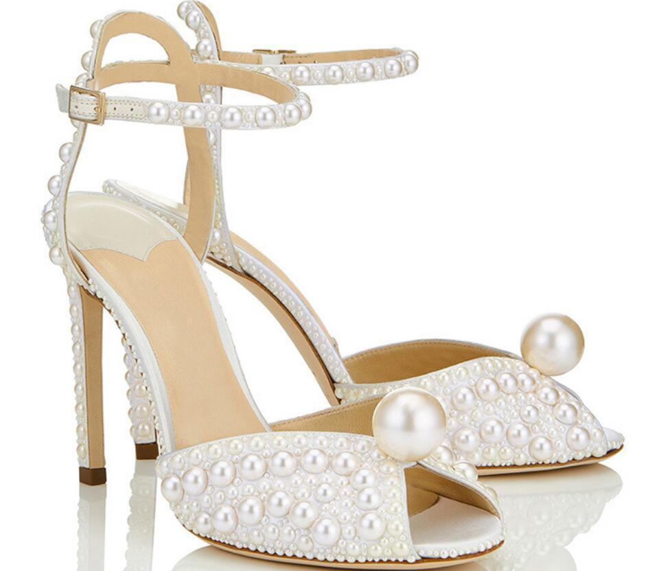 Été nouveau sandales de mode talon stiletto doux chaussures femmes scène européenne et défilé de perles blanches américaines boucle chaussures robe de soirée