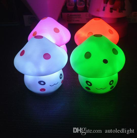 LED Mushroom Lamp 6.5cm Color Changing Party Lights Mini Soft Baby Child Sleeping Nightlight Novelty Luminous Toy Gift