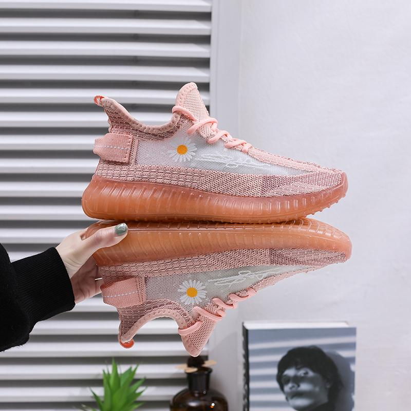 Daisy Shoes Modelos femininos de verão 2020 respiráveis selvagens Sports Running Shoes Feminino Luminous coco Tide Shoes cheio de estrelas