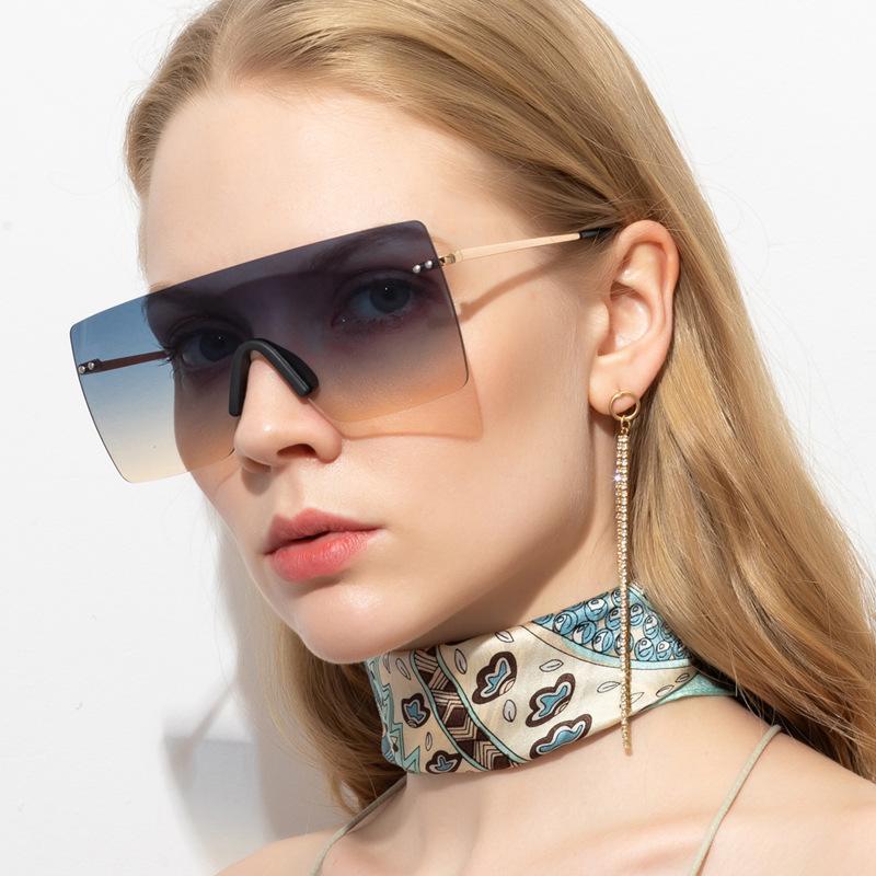 2020 نساء الجديد مصمم النظارات الشمسية التدرج بدون إطار نظارات الشمس النساء فاخر الإمالة مكبرة الشارع أزياء النظارات المهرجان هدية OCCHIALI
