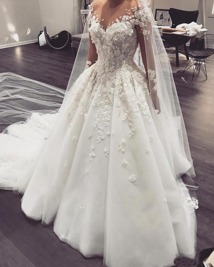 Luxury Arabic Wedding Dress Princess Robe De Mariee 3D Flowers Beaded Appliques Long Sleeve Wedding Gowns For Bride