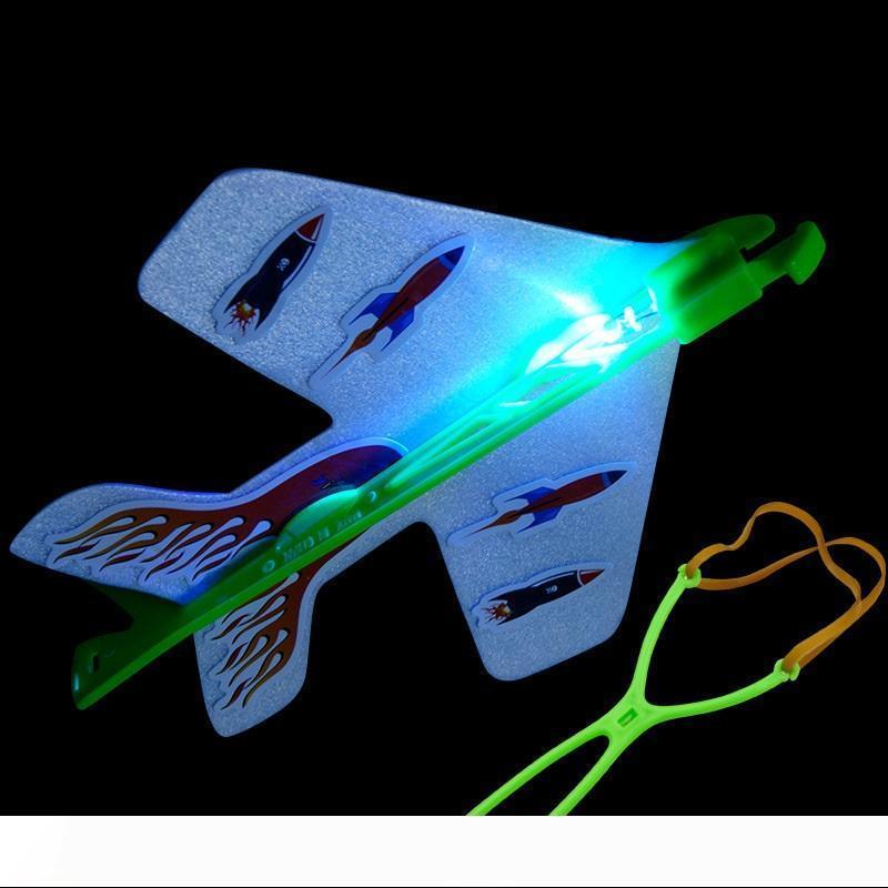 LED de Noël lumineux Ejection Avion incroyable Sous-catégorie Hélicoptère Jouets LED avion Poupées Flicker Flying Avion Jouets pour enfants cadeau de Noël