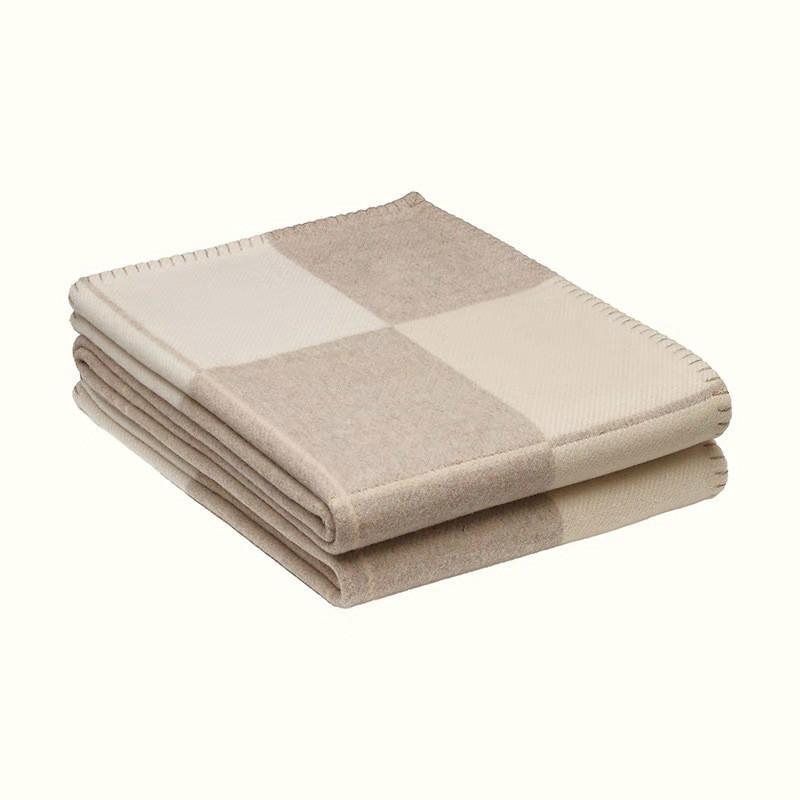 jogar cobertores letra H Cashmere Cobertor Crochet Lã Scarf Shawl Portátil Quente Plaid Sofá-cama velo de malha Lance Towell