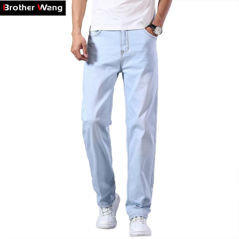 Plus Size 40 42 44 Männer Light Blue Thin Jeans 2020 Frühling und Sommer neue lose gerade erweiterte Stretch-Denim-Hosen-Mann Marke CX200727