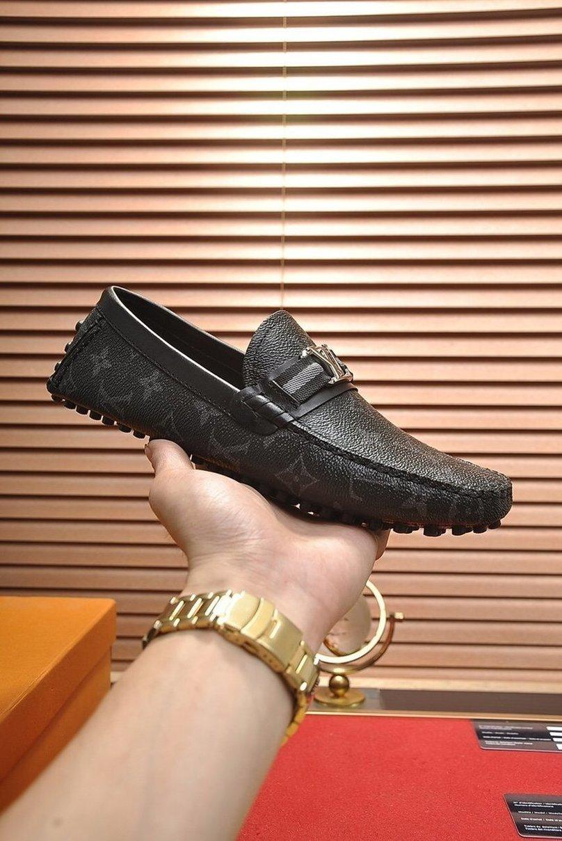 New Arrival Exclusive Luxury design sneakers mens or womens Leather Flat casual shoes zapatos de diseño England Style with box 9 q B p