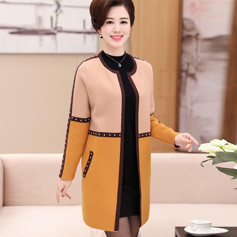 revestimento do outono 40 anos da mãe velhas 50 dois conjuntos 2020 novas blusas, Camisolas para mulheres de meia idade e idosos.