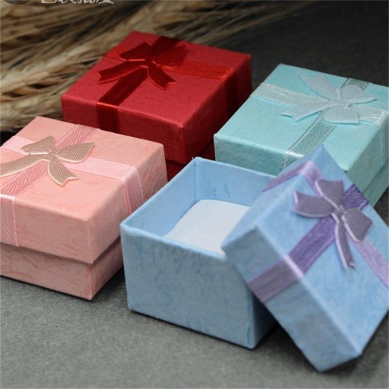 4x4cm حلقة الصغيرة صندوق مجوهرات الحاضر إعطاء حالة الفراشة الشريط منظم المتأنق العام هدية قلادة الحاويات 0 35mw B2
