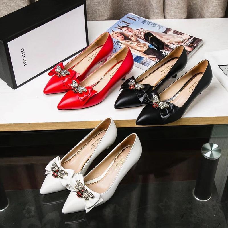 Ting2594 220.313 perla abeja puntiagudo pequeño talón zapatos de las mujeres altos deslizadores de las sandalias mulas Diapositivas Bombas Zapatos de vestir para las zapatillas de deporte
