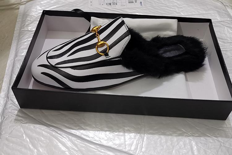 zapatillas de la cebra con piel de vacuno de pelo con zapatillas de moda el cabello clásico cuadro de conejo Negro forman la mujer