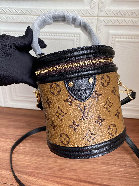 2020 New Designer Schultertasche Frauen Luxus-Handtaschen-Solid Black Lady Totes Fashion Cross Body Marken-Qualitäts-Beutel Wannenbeutel D171