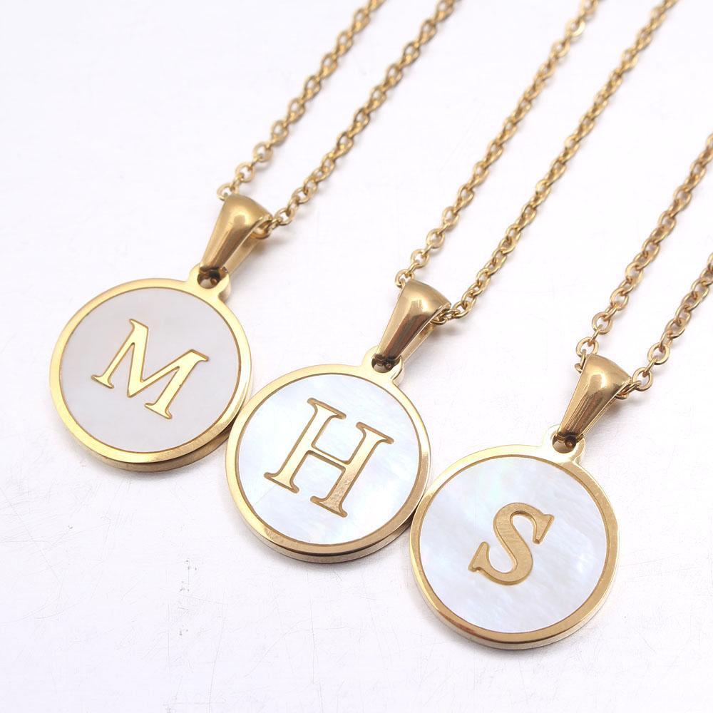 Più nuovo di lusso oro color oro 26 lettera collane alfabeto guscio pendente collana collana a catena di moda per le donne gioielli da uomo
