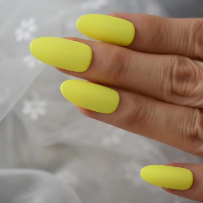 Uzun Oval Mat Basın On Çiviler Orta NEONU Sarı Yaz Sculpted Çiviler ABS Malzeme Tam Kapak Fantezi İpuçları 24