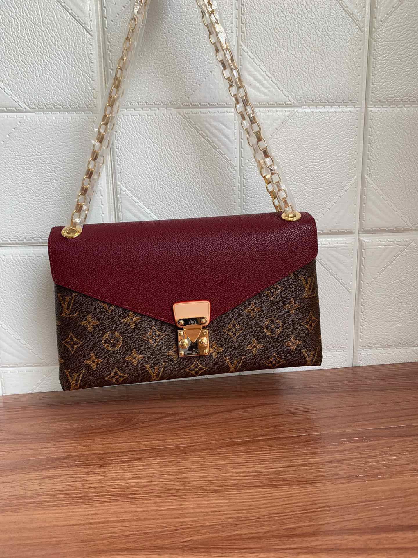 2020 SOLDS las mujeres calientes de las bolsas de diseñadores bolsos monederos luxurys diseñadores bolsas de hombro de los hombres bolso crossbody mochila M41200 26-17-6cm