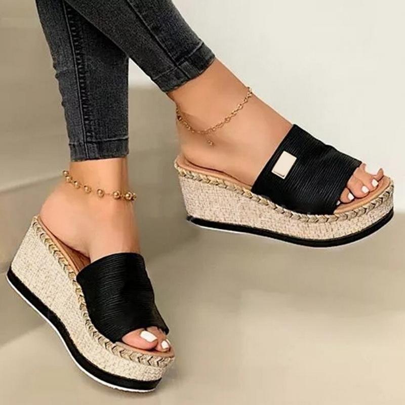 Été femmes Wedge Chaussons plateforme Tongs souple et confortable 2020 New Shoes Casual extérieure sandales de plage dames Slides