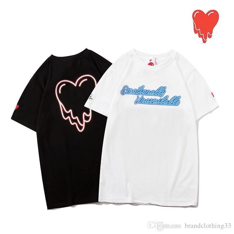 L'uomo maglietta 100% di modo di usura di estate Lettera uomo T-shirt del cotone del Mens T Moda camice Top manica corta T-shirt
