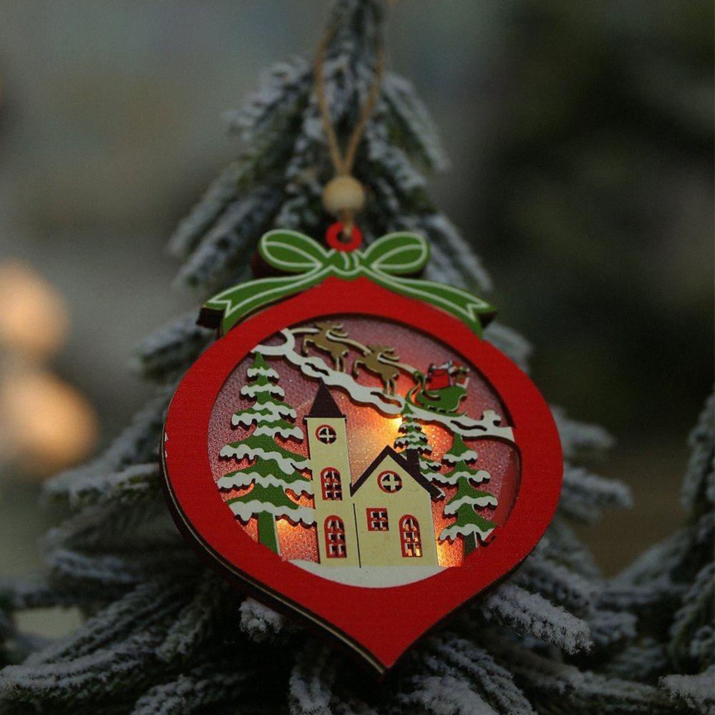 Geschenk Holz Romantisches Hollowed hängenden Tropfen verziert Weihnachts Anhänger bewegliche Partei Craft Haus mit Licht-Dekoration OZPA #