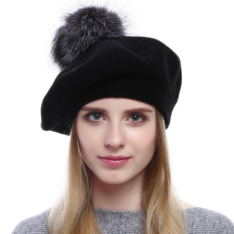 Chegada Nova Mulheres Winter cashemere Beret Hat Lady Quente Fur Pompom Hat Feminino de lã de malha Beret Mulheres Moda Cordeiro Beanie