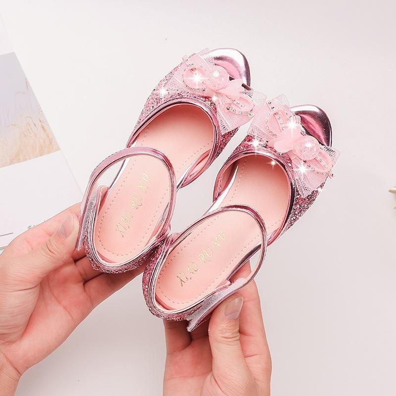 Le nuove ragazze della principessa Shoes bocca dei pesci Hollow bambini Sandali commercio ragazze straniere piccole scarpe tacco alto scarpe performance di danza