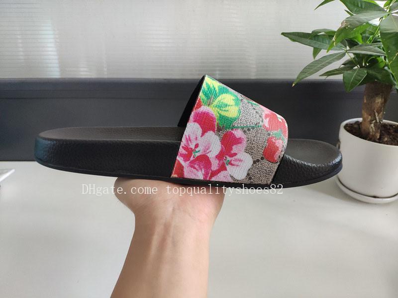 2020 femmes des nouveaux hommes d'été Sandales de plage Diapo Plate-forme Designer Casual Slippers Imprimer Fleurs en cuir large flip Slipper Flat Flop 36-45