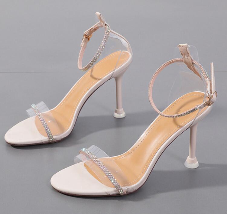 La nueva manera del verano de 2020 versátil zapatos de hebilla sandalias atractivas de los zapatos transparentes zapatos de tacón alto de las mujeres cómodas