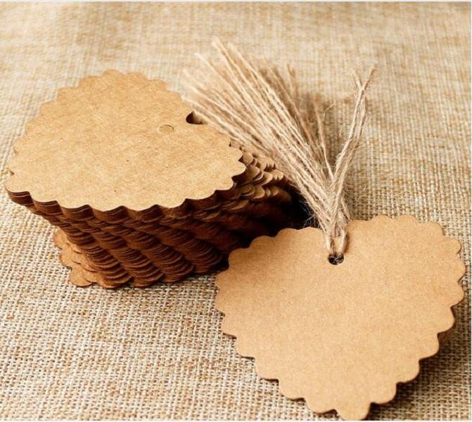 100pcs / lot 6 * 5.5cm Kraft Paper Heart Blank Forme Tag cadeau étiquette Rétro Accrocher (String inclus)