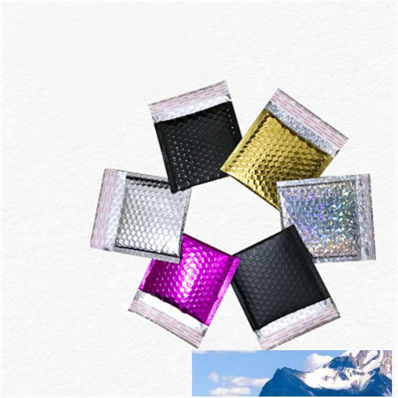 100pcs enveloppent enveloppes à bulles 15 * 13cm fermeture automatique de sacs express 6 couleurs Bubble Sac poches Aluminizer pour bijoux