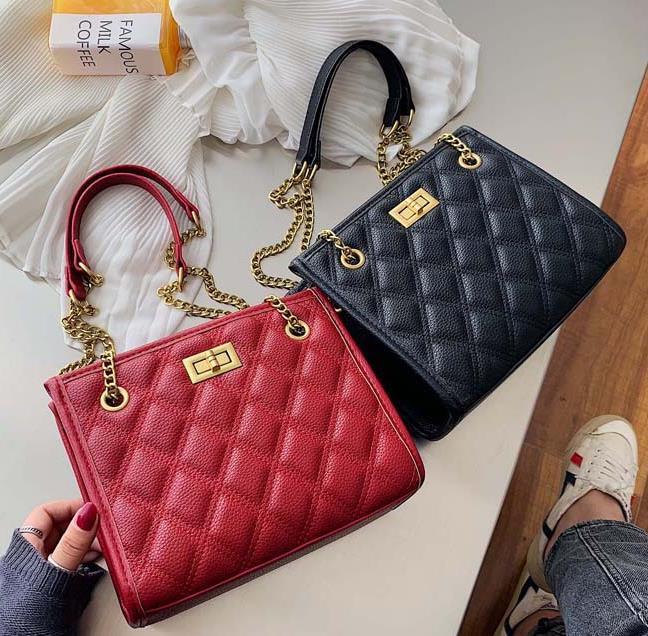 Designer sacos Mulheres 2020 Populares sacos de moda pequeno Fragrance Estilo Shoulder Mensageiro diamante cadeia saco de mais vendidos