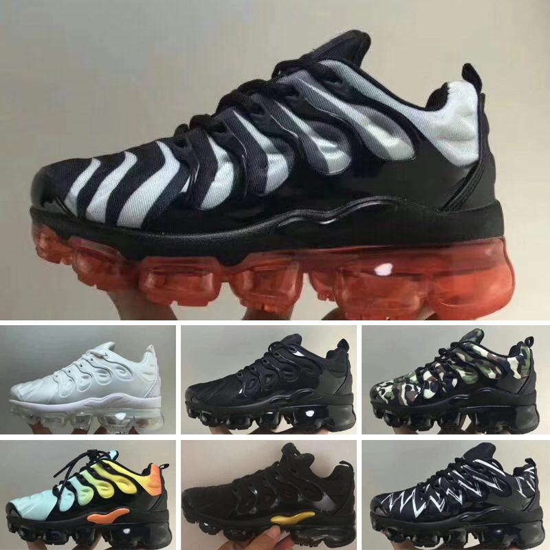 Nike air max TN 2020 TOP Chain Reaction Chaussures de course Hommes Femmes Sneakers 2019 Fashion District Regard Medusa Chaussures Chaussures Casual