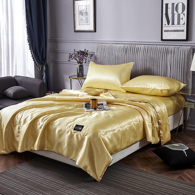 Lavável macio Ice Silk Ar Condicionado Consolador 2020 New Blanket luxo Verão cetim de seda Consolador Quilt Duvet Quilt Blanket
